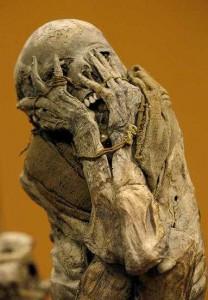 Blogpic-ET-mummy-383x550